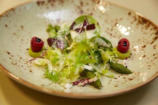 Spargeln im Mai: den König des Gemüses im KKL Luzern geniessen