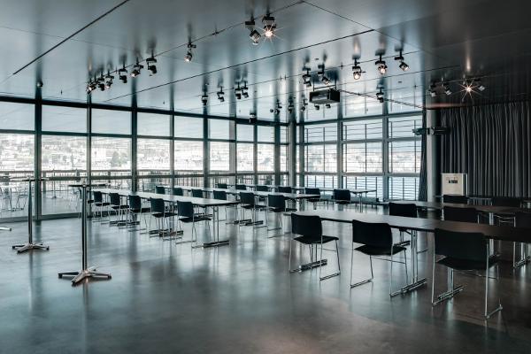Terrassensaal im KKL Luzern: Sommerterrasse mit modernster Technik kombiniert